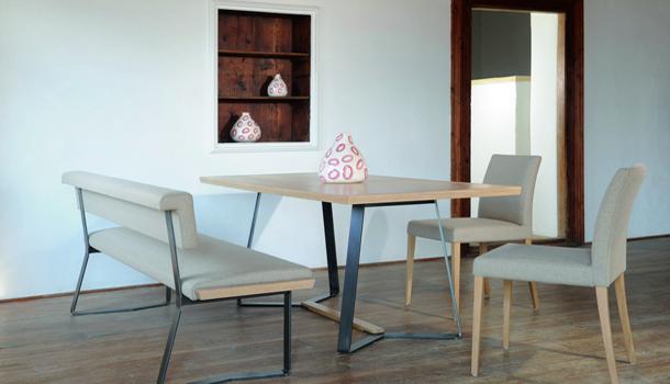 esstisch und bank von forcher ausgezeichnet osttirol. Black Bedroom Furniture Sets. Home Design Ideas