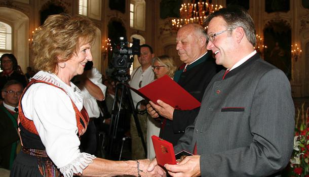 Auch die Pustertaler Heimatdichterin, Hilda Außerlechner aus Kartitsch, freute sich sehr über ihre Auszeichnung.