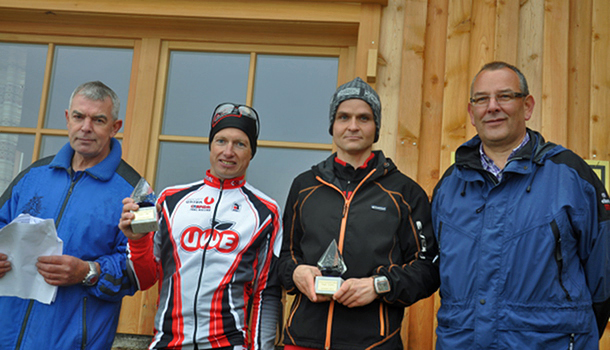 (v.l.n.r.) Union-Obmann Klaus Rossmann, MTB-Sieger Andreas Fuchs, schnellster Bergläufer Ingemar Wibmer, Schlaitens Bürgermeister Ludwig Pedarnig