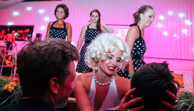Gym-Ball 2014: Glitzer & Glamour  in der Tennishalle