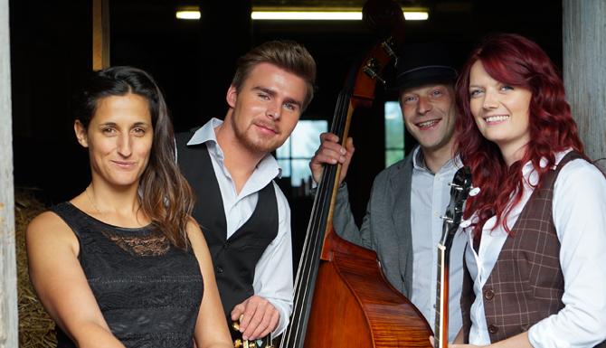 Die Innervillgrater Band Lacustic mit Anna Rainer, Gerhard Haider sowie Carmen und Emanuel Mühlmann ist Teil des vielfältigen Musikprogramms.