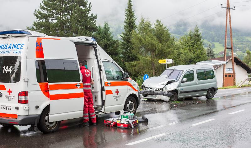 schwererunfallnussdorfdebantllkw-brugal3