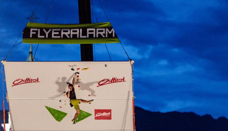 Im Finale zeigte der Franzose Levier, warum er sich im Boulder-Weltcup derzeit an der elften Stelle befindet. Als einziger Athlet schaffte er das Top.
