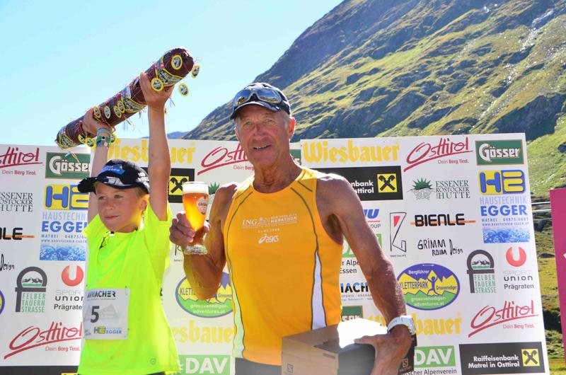 Der jüngste Teilnehmer Niklas Weißkopf und der älteste Läufer Manfred Leitner erreichten fast zeitgleich das Ziel.