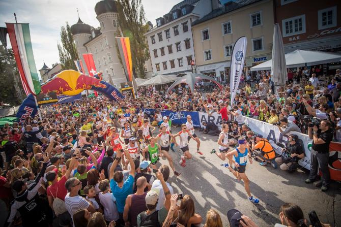 """Bergläufer Anton Palzer (im Bild beim Start am Lienzer Hauptplatz) meinte nach Abschluss des Extrembewerbes: """"Ich bin gut ins Rennen gekommen und freue mich wahnsinnig, dass ich es heute als zweiter ins Ziel geschafft habe. Hut ab vor Petro Mamu, fantastisch, was er drauf hat!"""""""