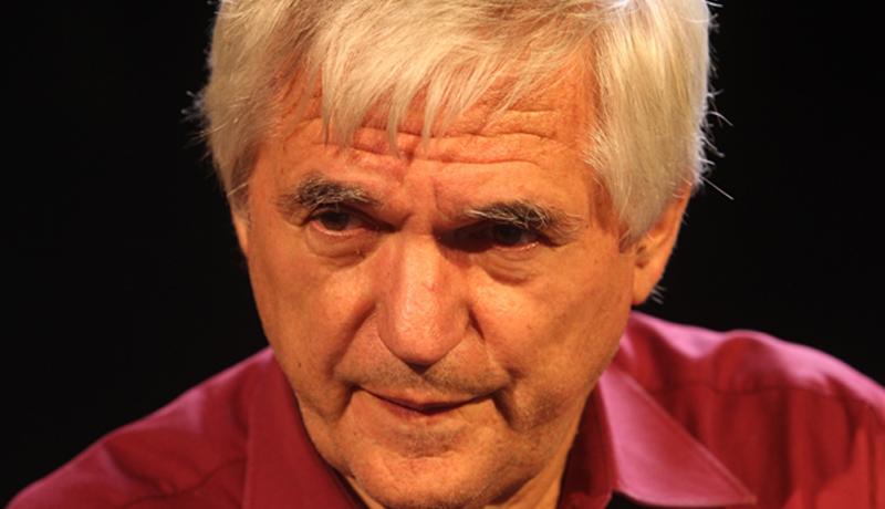 """Der Theaterwissenschaftler und Regisseur Dr. Alfred Meschnigg lebt in Villach und hat in Aguntum im Jahr 2012 mit der Theaterwerkstatt Dölsach """"Die Chinesische Mauer"""" von Max Frisch inszeniert."""