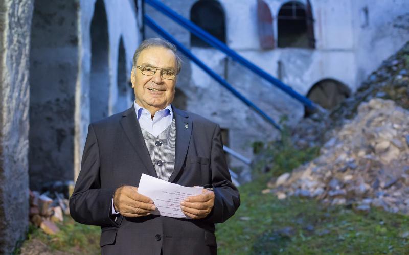 """KR Josef Steinringer, Obmann Museumsverein Burg Heinfels: """"Burg Heinfels wurde zur Ruine. Jetzt wollen wir sie vor dem Verfall retten und ihr wieder kräftiges Leben einhauchen."""""""