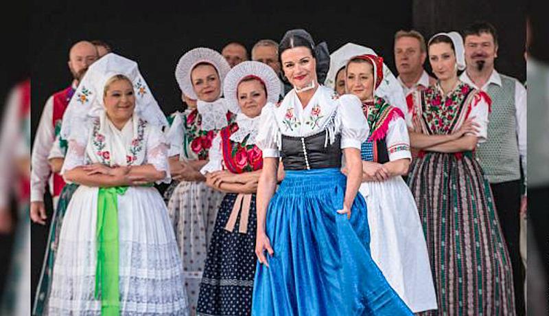 Das Sorbische National-Ensemble tritt im Advent in Toblach auf.