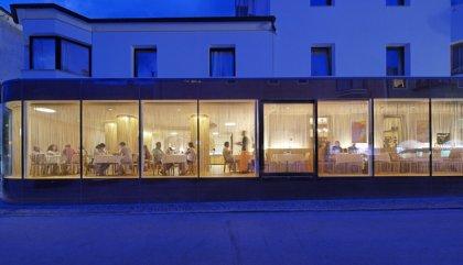hotelhintereggerneu-Speisesaal-c-madritschpfurtscheller
