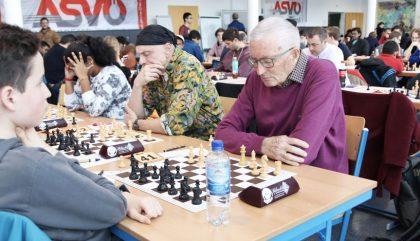schach-lienzopen-AlfredBodner-c-oh