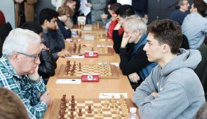 schach-lienzopen-FlorianMesaros-c-oh